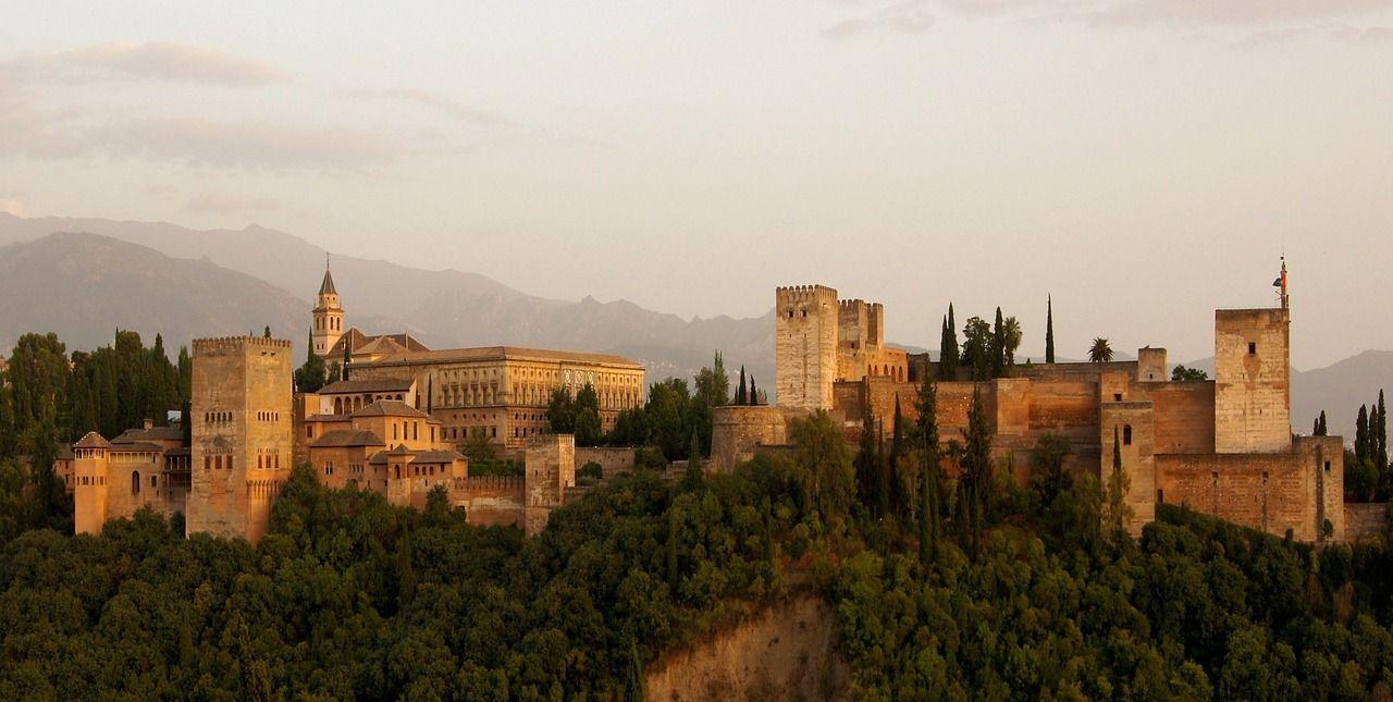 グラナダのアルハンブラ宮殿|スペイン 文化遺産|世界遺産オンラインガイド
