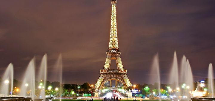 パリのセーヌ河岸の画像 p1_8
