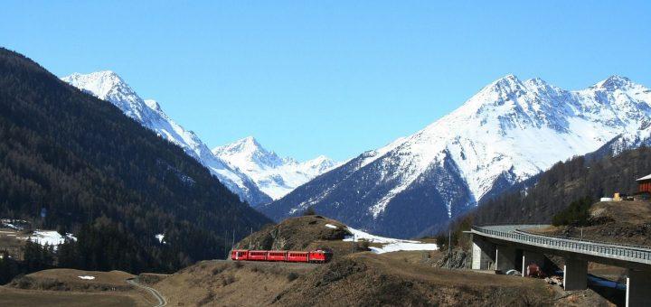 レーティシュ鉄道アルブラ線・ベルニナ線と周辺の景観