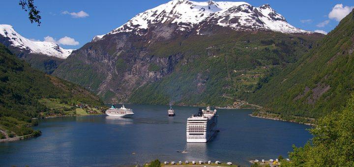 西ノルウェーフィヨルド群-ガイランゲルフィヨルドとネーロイフィヨルド