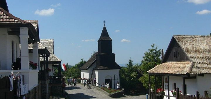 ホッローケーの古い村落とその周辺