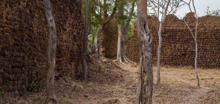 ロロペニの遺跡群