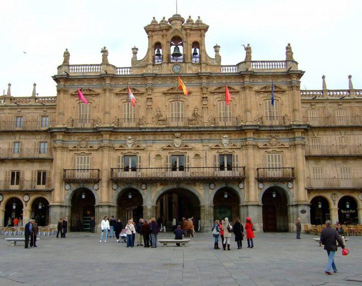 サラマンカの旧市街 スペイン ...