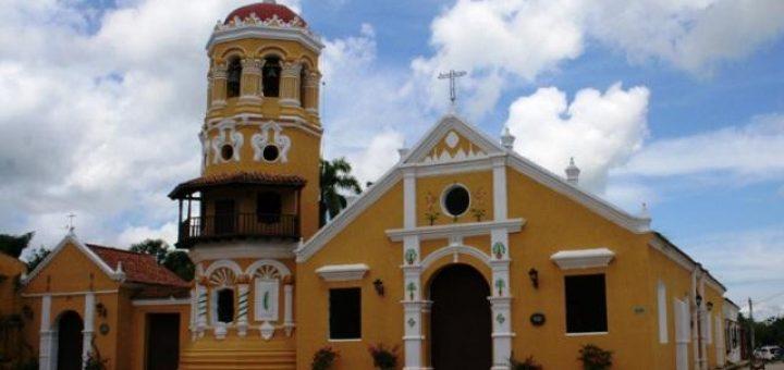 サンタ・クルス・デ・モンポスの歴史地区