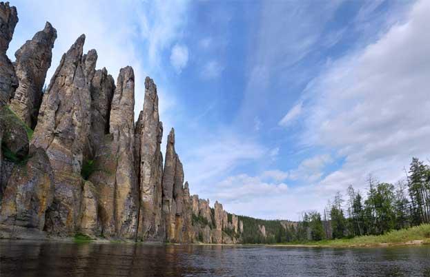 レナ石柱自然公園|ロシア 自然...
