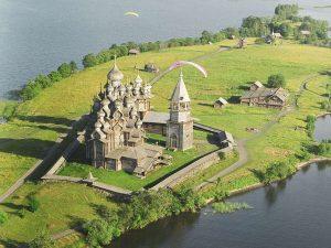 photo credit: Kizhi Island in Lake Onega - Kizhi Pogost via photopin (license)