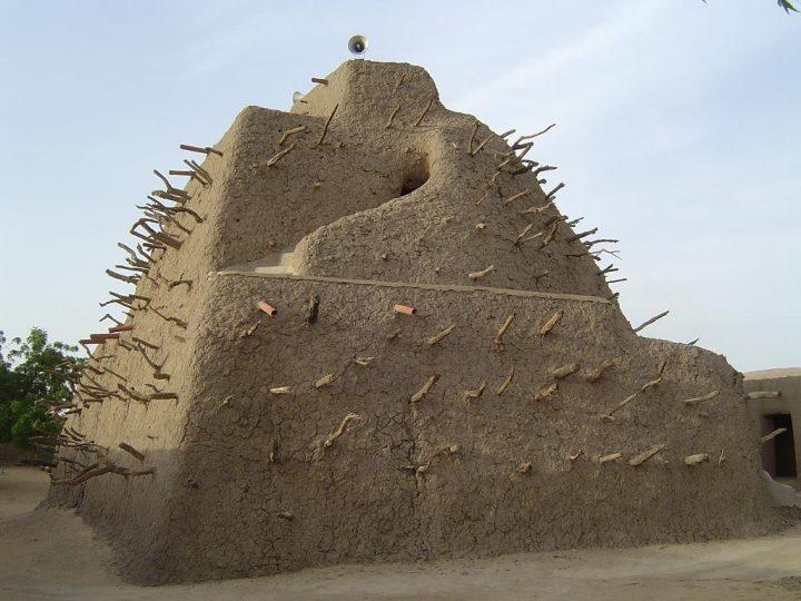 世界遺産・アスキアの墓