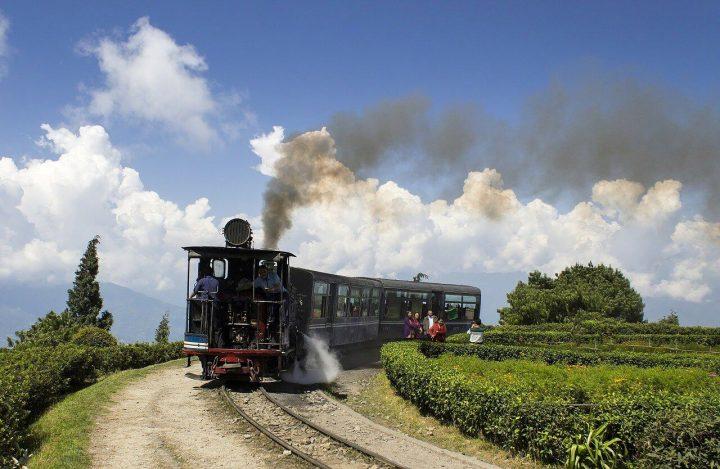【世界遺産】鉄道そのものが世界遺産!列車に乗りながら観光できる世界遺産3選