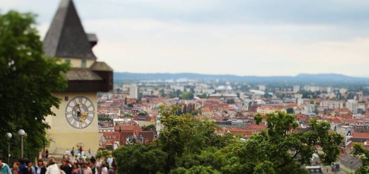 グラーツ市街 – 歴史地区とエッゲンベルク城