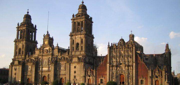 メキシコシティ歴史地区とソチミルコ
