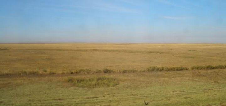 サリャルカ – 北カザフスタンのステップと湖群