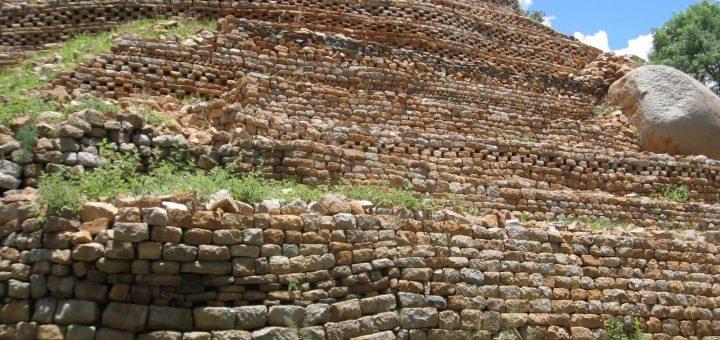 国史跡カミ遺跡群