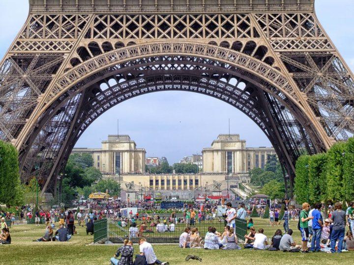 シャン・ド・マルス公園|パリの...