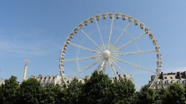 photo credit: Fête des Tuileries - Tuileries Garden Amusement Park via photopin (license)