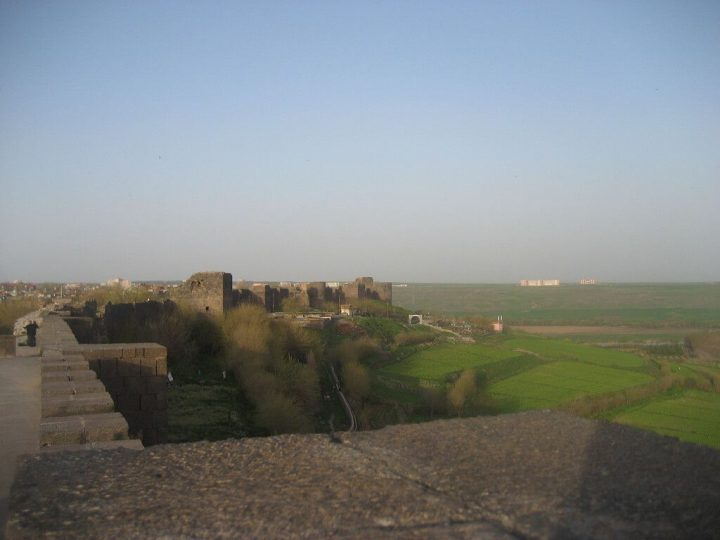 photo credit: Diyarbakır wall 01 via photopin (license)