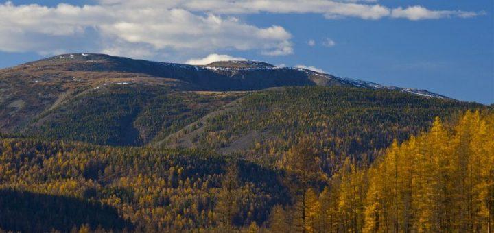 大山ブルカン・カルドゥンとその周辺の神聖な景観