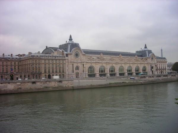 パリのセーヌ河岸の画像 p1_28