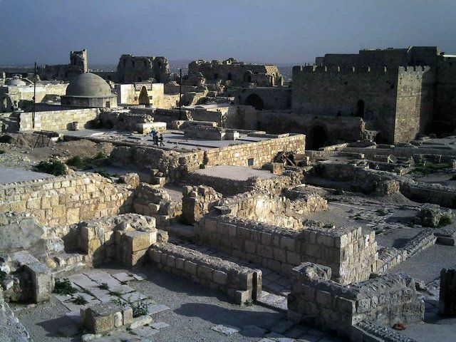 photo credit: Aleppo Citadel via photopin (license)
