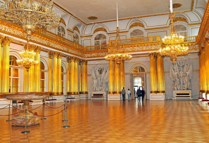 photo credit: Russia_2499 - Armorial Hall via photopin (license)
