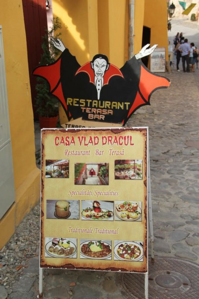 photo credit: Casa Vlad Dracul, Sighișoara via photopin (license)