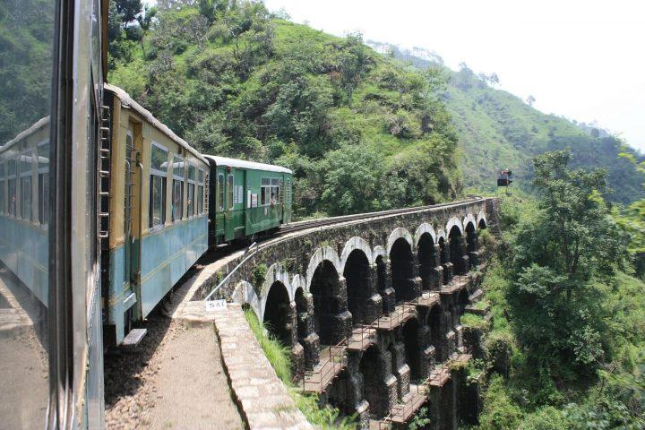 【世界遺産】カールカー=シムラー鉄道|インドの山岳鉄道群