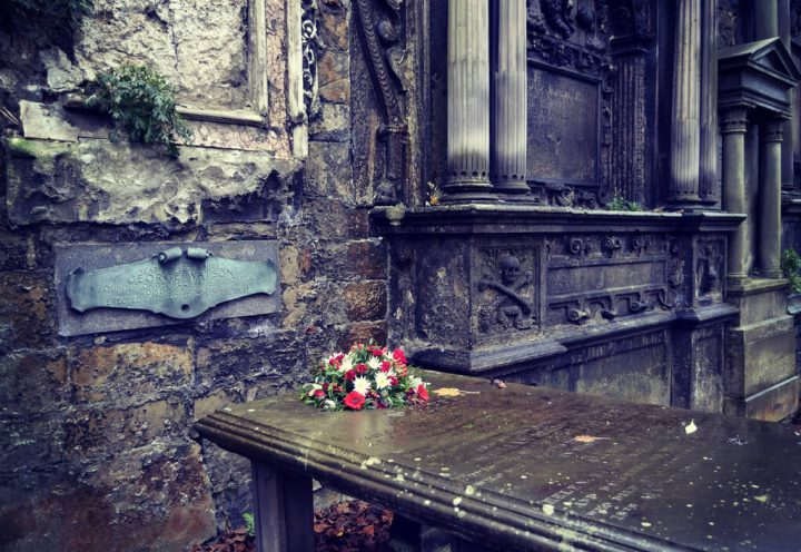 photo credit: Greyfriars Kirkyard via photopin (license)