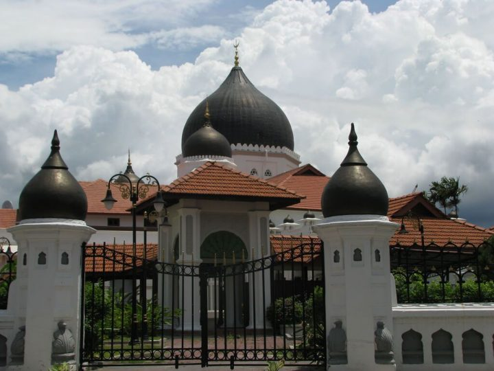 photo credit: Malaysia - 086 - Penang - Kapitan Keling Mosque in Georgetown via photopin (license)