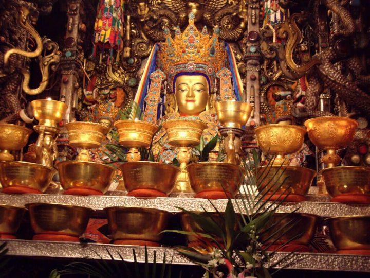 photo credit: Jowo Sakyamuni Jokhang Lhasa Tibet China Buddha Rinpoche Prince Siddhartha 中国西藏拉萨大昭寺本师释迦牟尼佛十二岁等身像 觉阿佛 觉沃佛 仁波切 悉达多 太子 1997116662_92f617561c_o via photopin (license)