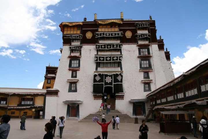 photo credit: Inside the Potala Palace via photopin (license)