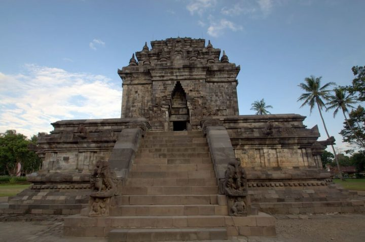 【世界遺産】パオン寺院とムンドゥッ寺院|ボロブドゥール寺院遺跡群