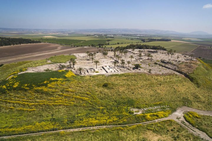 photo credit: AERIAL VIEW OF TEL MEGIDDO_ITAMAR GRINBERG_IMOT via photopin (license)
