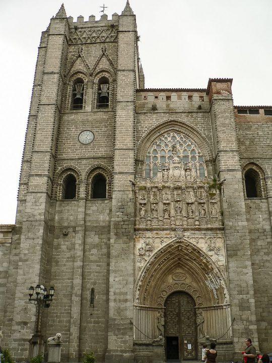 【世界遺産】アビラ大聖堂|アビラ旧市街と市壁外の教会群