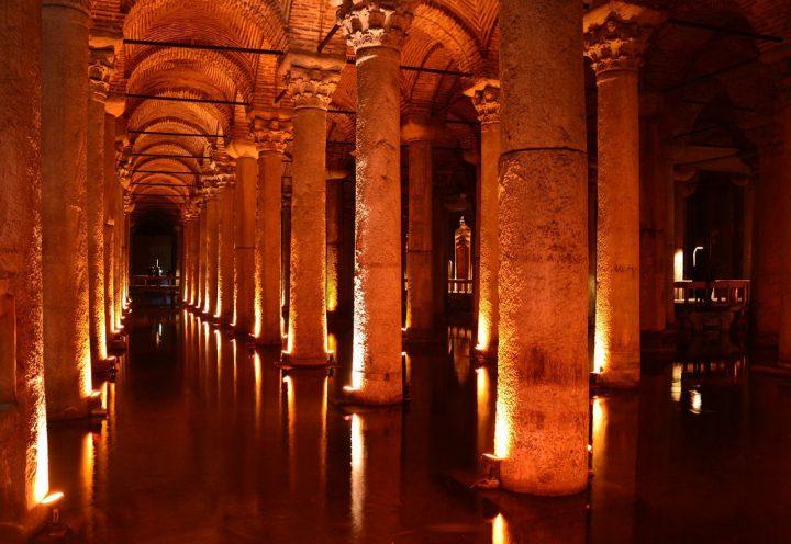 イスタンブル地下宮殿(バシリカ・シスタン)|イスタンブルの歴史地区 (3)