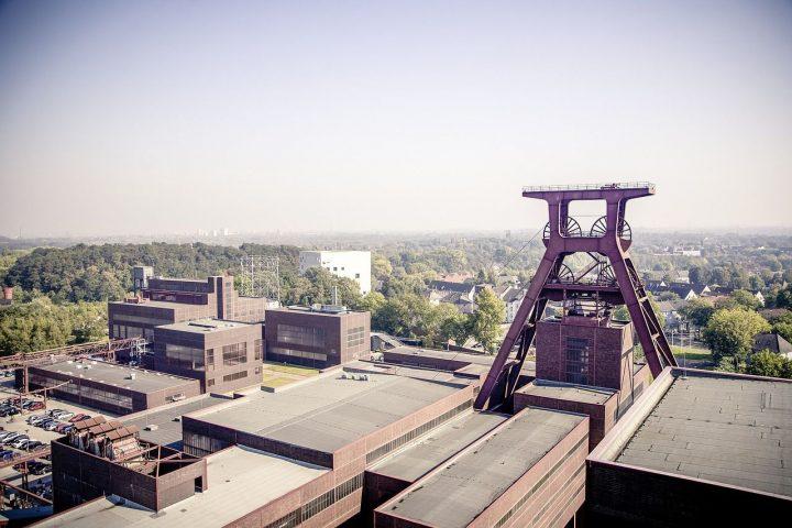 エッセンのツォルフェアアイン炭鉱業遺産群(ドイツ)