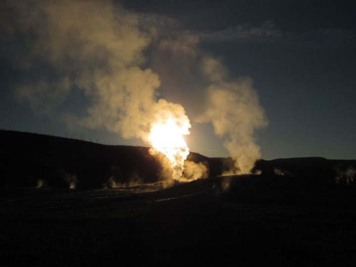 photo credit: Old Faithful Geyser (sunrise, 6 June 2013) 51 via photopin (license)