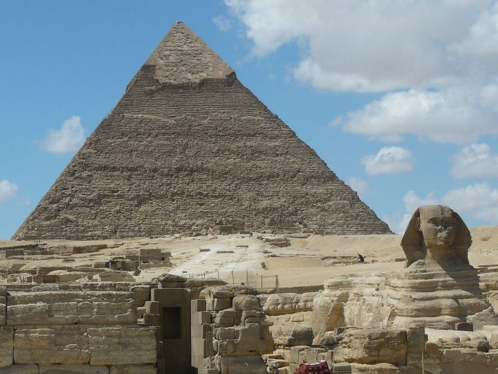 カフラー王のピラミッド|メンフィスとその墓地遺跡 (2)