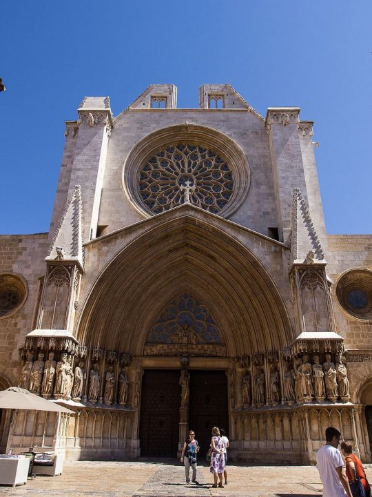 photo credit: Tarragona Catedral de Tarragona Exterior 00001.jpg via photopin (license)