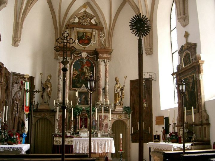 photo credit: Inside the Cathedral in Festung Hohensalzburg via photopin (license)