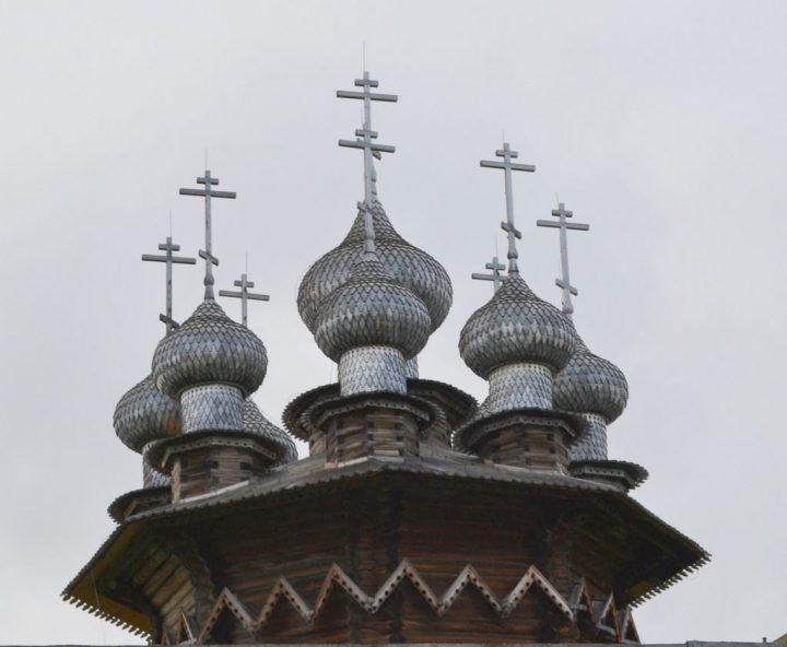 photo credit: Kizhi Island - Kizhi Pogost - Winter Church via photopin (license)
