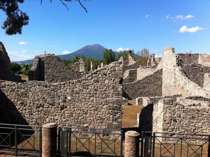 ポンペイ、ヘルクラネウム及びトッレ・アンヌンツィアータの遺跡地域(イタリア)