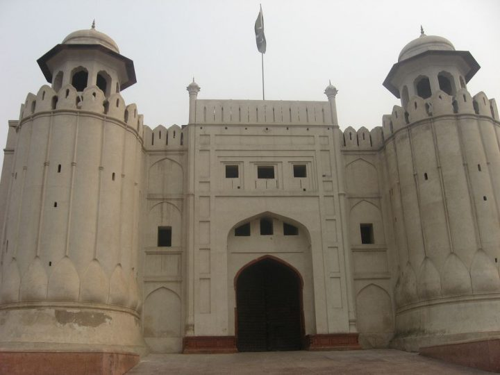 photo credit: Ramparts and front of lahore fort via photopin (license)