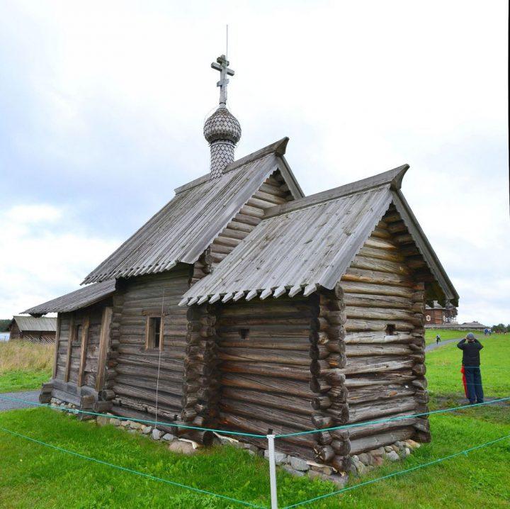 photo credit: Kizhi Island - small church via photopin (license)