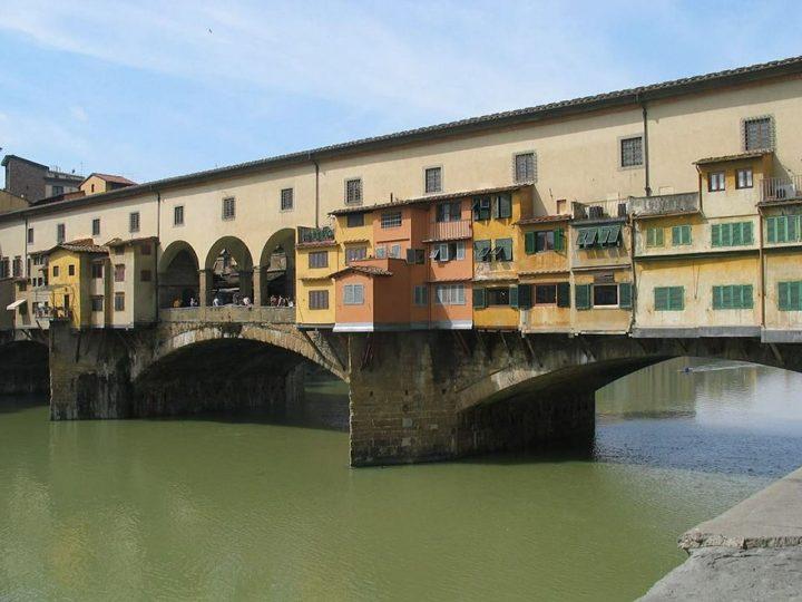 ヴェッキオ橋(ポンテ・ヴェッキオ)|フィレンツェ歴史地区 (2)