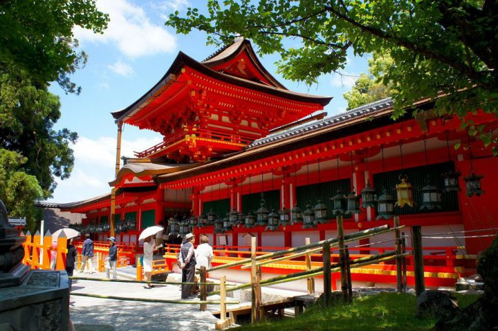 photo credit: 中門・御廊/春日大社(Kasuga-Taisha Shrine / Nara City) 2015/05/21 via photopin (license)