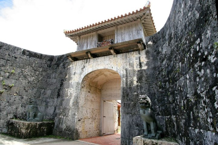 photo credit: Shuri Castle - 05 via photopin (license)