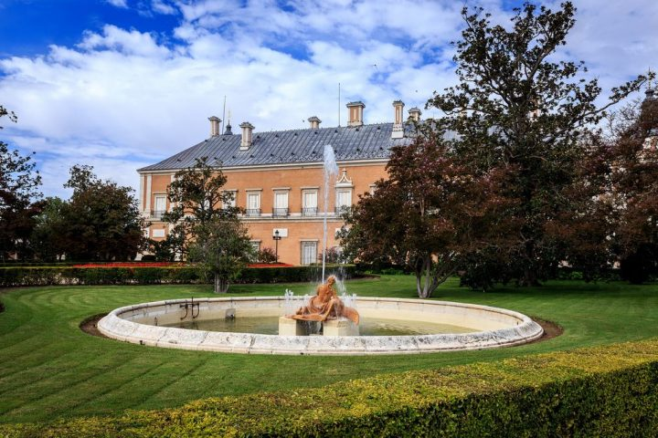 photo credit: Fuente de las Nereidas - Aranjuez via photopin (license)