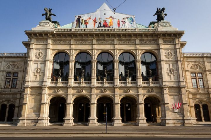 photo credit: Wiener Staatsoper (Vienna, Austria) via photopin (license)