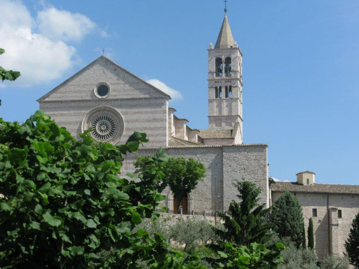 photo credit: Assisi - Basilica di Santa Chiara via photopin (license)