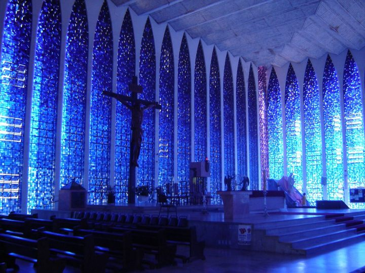 photo credit: Altar do Santuário Dom Bosco em Brasília via photopin (license)