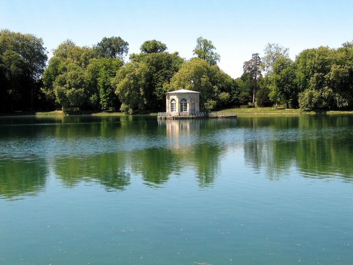 photo credit: Pavillon de l'étang via photopin (license)